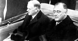 Ο Φρ. Ρούσβελτ (δεξιά) με τον προκάτοχό του Χ. Χούβερ το 1933